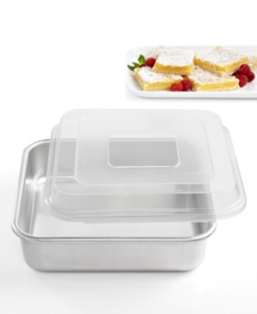 "Nordic Ware 9"" x 9"" Covered Square Cake Pan"